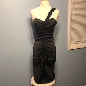 Caché Slim-Fit Dress